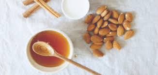 Honey and Almond Face Pack