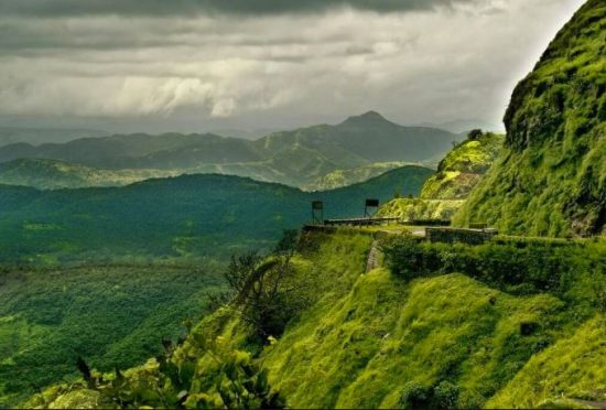 famous tourist places in india